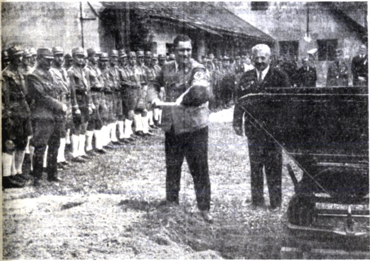 Der erste Spatenstich durch Gauleiter Franz Hofer am 10. September 1938.